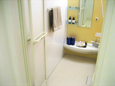 浴室に洗顔料・シャンプー置きっぱなし